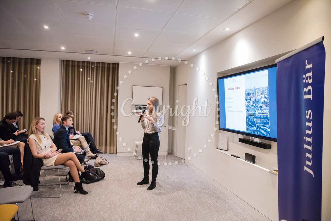 Corporate event photography. Private events, workshops, congress and conference photography